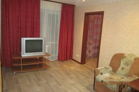 Сдается 2-комнатная квартира посуточно в Орске, проспект Ленина, 21.