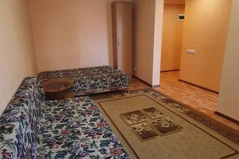 Сдается 1-комнатная квартира посуточно, ул.Ленинского Комсомола 37.