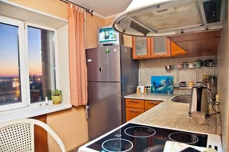 Сдается 1-комнатная квартира посуточно, Суханова, 5.