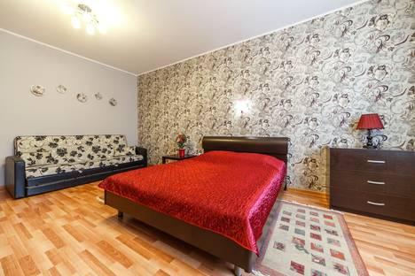 Сдается 1-комнатная квартира посуточно в Екатеринбурге, ул. Шейнкмана, 90.