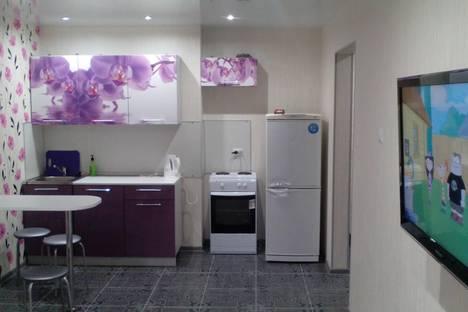 Сдается 2-комнатная квартира посуточно в Кирове, Московская 121к1.