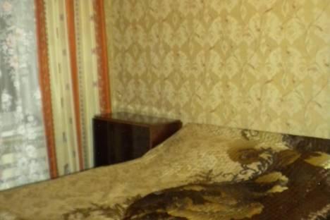 Сдается 2-комнатная квартира посуточно в Таганроге, ул. Александровская, 48.
