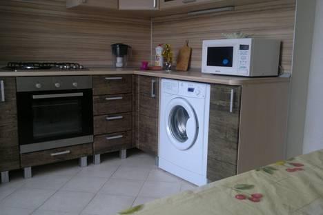 Сдается 1-комнатная квартира посуточнов Новороссийске, проспект Дзержинского, 215.