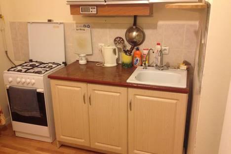 Сдается 1-комнатная квартира посуточно в Салехарде, ул. Зои Космодемьянской, 69.