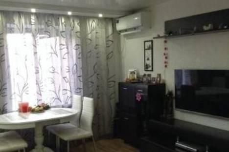 Сдается 3-комнатная квартира посуточно в Волгограде, Ткачева, 13.