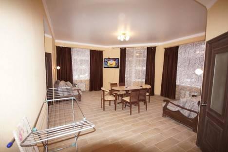 Сдается 3-комнатная квартира посуточнов Домбае, Карачаевская, 60.