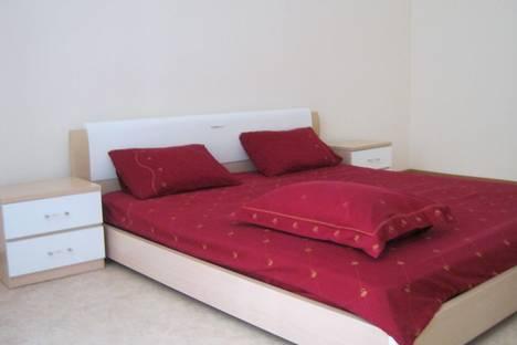 Сдается 2-комнатная квартира посуточно в Симферополе, ул.Крупской 3.