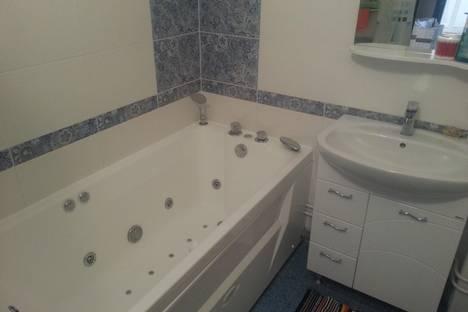 Сдается 2-комнатная квартира посуточно в Калуге, Солнечный бульвар, 4 корпус 1.
