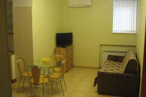 Сдается 2-комнатная квартира посуточно в Евпатории, пр. Ленина,47.
