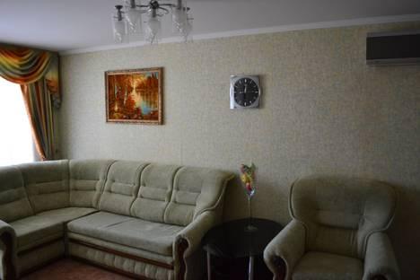 Сдается 3-комнатная квартира посуточно в Евпатории, Некрасова,43.