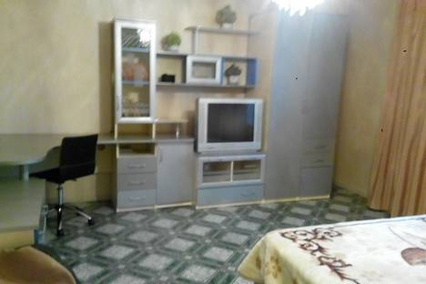 Сдается 1-комнатная квартира посуточнов Копейске, Гольца 7б.
