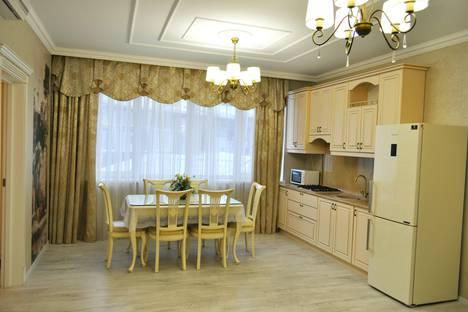 Сдается 3-комнатная квартира посуточно в Ялте, ул Ленина 3.