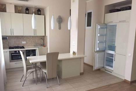 Сдается 2-комнатная квартира посуточно в Ижевске, Ленина 19.