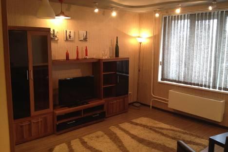 Сдается 1-комнатная квартира посуточно в Москве, ул. Халтуринская, 9.