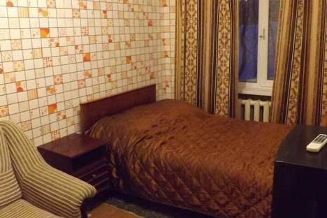 Сдается 2-комнатная квартира посуточно в Кировске, 50 лет Октября, 27.
