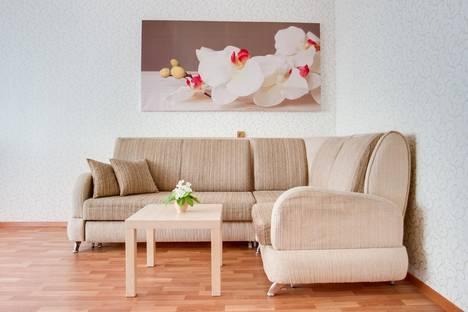 Сдается 3-комнатная квартира посуточно в Тольятти, Приморский бульвар, 38.