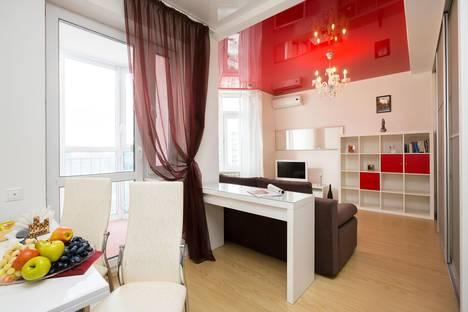 Сдается 1-комнатная квартира посуточно в Екатеринбурге, ул. Бажова, 68.