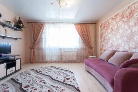 Сдается 1-комнатная квартира посуточнов Челябинске, ул. Университетская Набережная, 88.