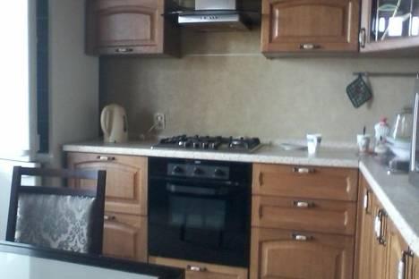 Сдается 2-комнатная квартира посуточно в Рязани, 4 линия 64.