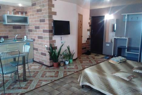Сдается 1-комнатная квартира посуточно в Саратове, ул. Аткарская, 42/54.