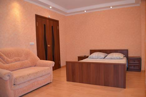 Сдается 2-комнатная квартира посуточнов Саранске, улица Косарева, 1а.