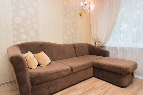 Сдается 1-комнатная квартира посуточно в Екатеринбурге, ул. Сакко и Ванцетти, 100.