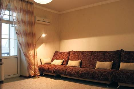 Сдается 3-комнатная квартира посуточно в Волгограде, проспект Ленина,20.