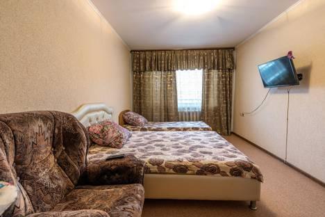 Сдается 2-комнатная квартира посуточно в Кемерове, улица Мичурина, 15.