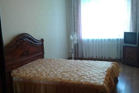 Сдается 2-комнатная квартира посуточно, ул. Аделя Кутуя, 44 А.