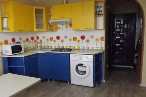 Сдается 2-комнатная квартира посуточнов Камышине, 6й микрорайон, дом 6.