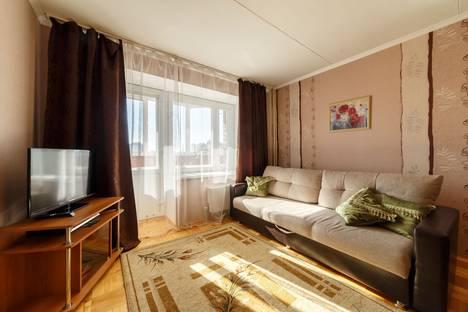 Сдается 1-комнатная квартира посуточно в Екатеринбурге, Шварца, 14.