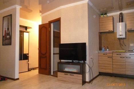 Сдается 1-комнатная квартира посуточно в Майкопе, ул. Краснооктябрьская, 31.
