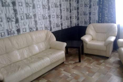 Сдается 1-комнатная квартира посуточно в Первоуральске, ул. Комсомольская, д.8.