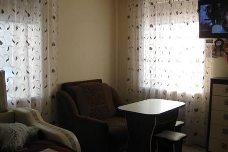 Сдается 1-комнатная квартира посуточно в Белокурихе, ул. 8 Марта, 10.