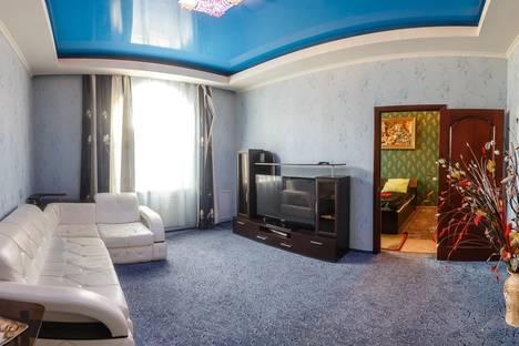 Сдается 3-комнатная квартира посуточно, Назарбаева,9/2.