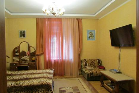 Сдается 1-комнатная квартира посуточно в Севастополе, Ленина 33.