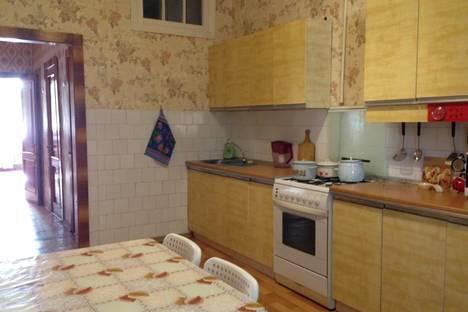 Сдается 2-комнатная квартира посуточно, ул. Пушкина, 14.