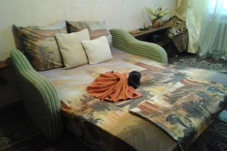 Сдается 1-комнатная квартира посуточно в Керчи, ул. Горького, 2В.