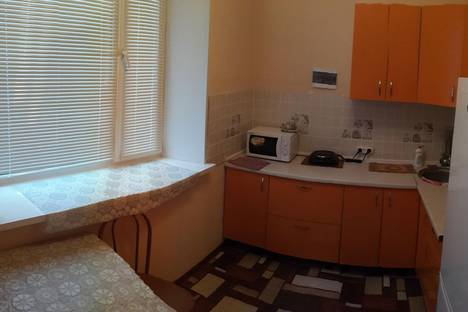 Сдается 2-комнатная квартира посуточно в Железногорске, ул. Маяковского, 5.