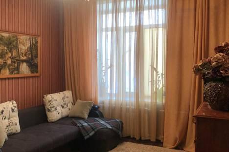 Сдается 1-комнатная квартира посуточно, Торайгырова 77.