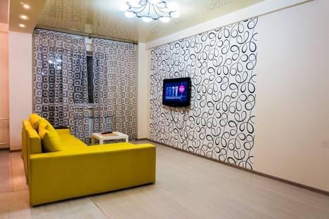 Сдается 2-комнатная квартира посуточнов Кирове, ул. Урицкого, 48.