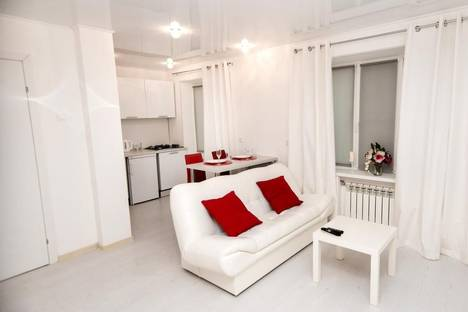 Сдается 1-комнатная квартира посуточнов Череповце, Набережная ул., 33.