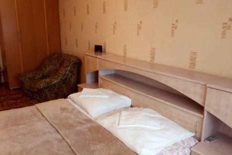 Сдается 2-комнатная квартира посуточно в Геленджике, ул. Гринченко, 38.