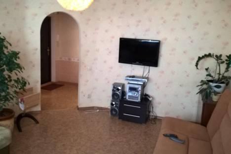 Сдается 3-комнатная квартира посуточно в Энгельсе, ул. 148 Черниговской Дивизии, 25.