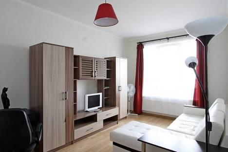 Сдается 1-комнатная квартира посуточнов Санкт-Петербурге, ул. Шувалова, 1.