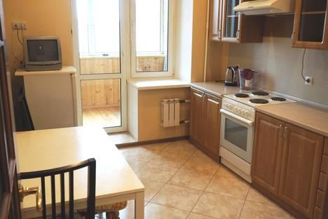 Сдается 1-комнатная квартира посуточно в Пушкино, ул. Надсоновская, 24.