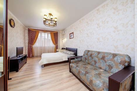 Сдается 1-комнатная квартира посуточно, Кубанская Набережная, 64.