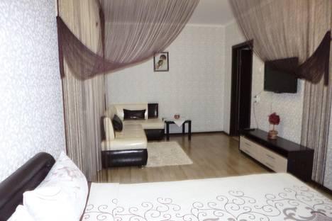 Сдается 1-комнатная квартира посуточнов Волжском Утёсе, Рябиновый бульвар, 15.
