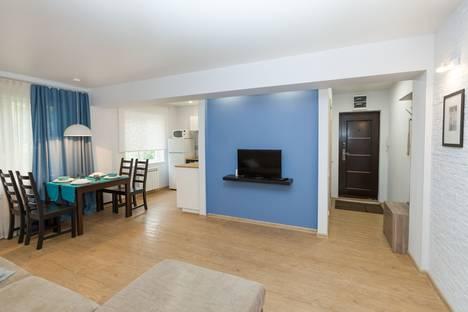 Сдается 2-комнатная квартира посуточно в Новосибирске, Лермонтова, 12.