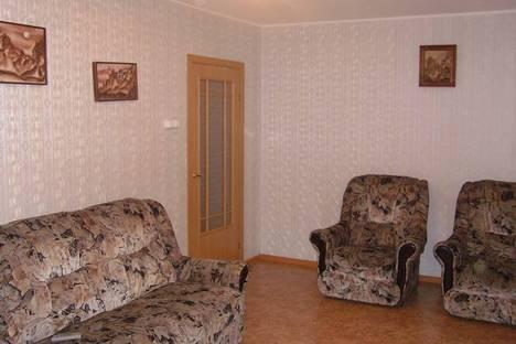 Сдается 4-комнатная квартира посуточно в Барнауле, Молодёжная, 70.
